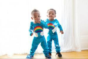A picture of two children (twins). This is a flu vulnerable age group.